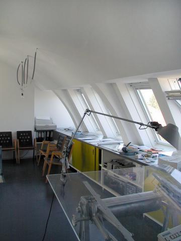 office002_05